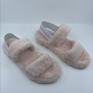 NWT Lucy Furry Slippers - Pink
